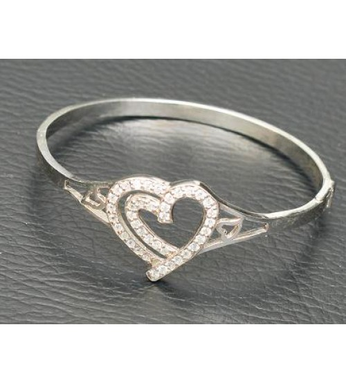 Vòng tay tim tình yêu Bạc cao cấp gắn đá trắng